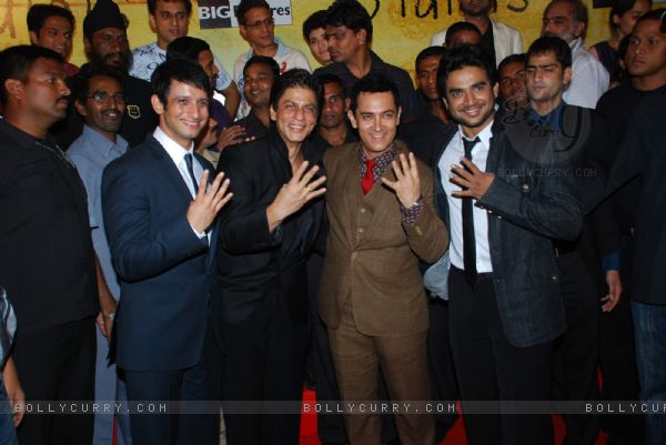 Sharman Joshi, Shahrukh Khan, Aamir Khan and Madhwan at 3 Idiots Press Meet at IMAX Wadala