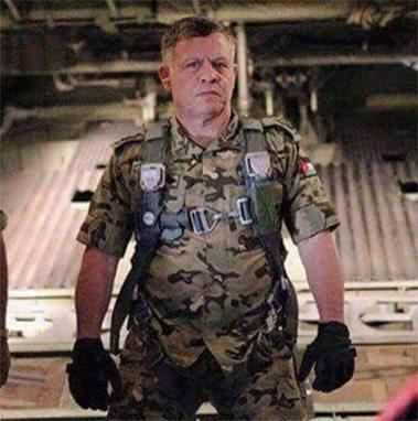 حقيقة قصف الملك عبدالله تنظيم داعش بطائرته
