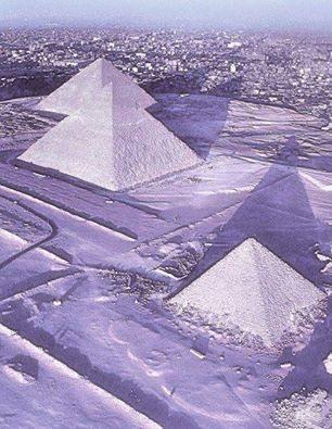 حقيقة سقوط الثلوج على الأهرامات