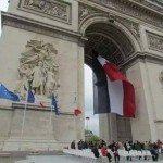 حقيقة علم مصر فوق قوس النصر في باريس