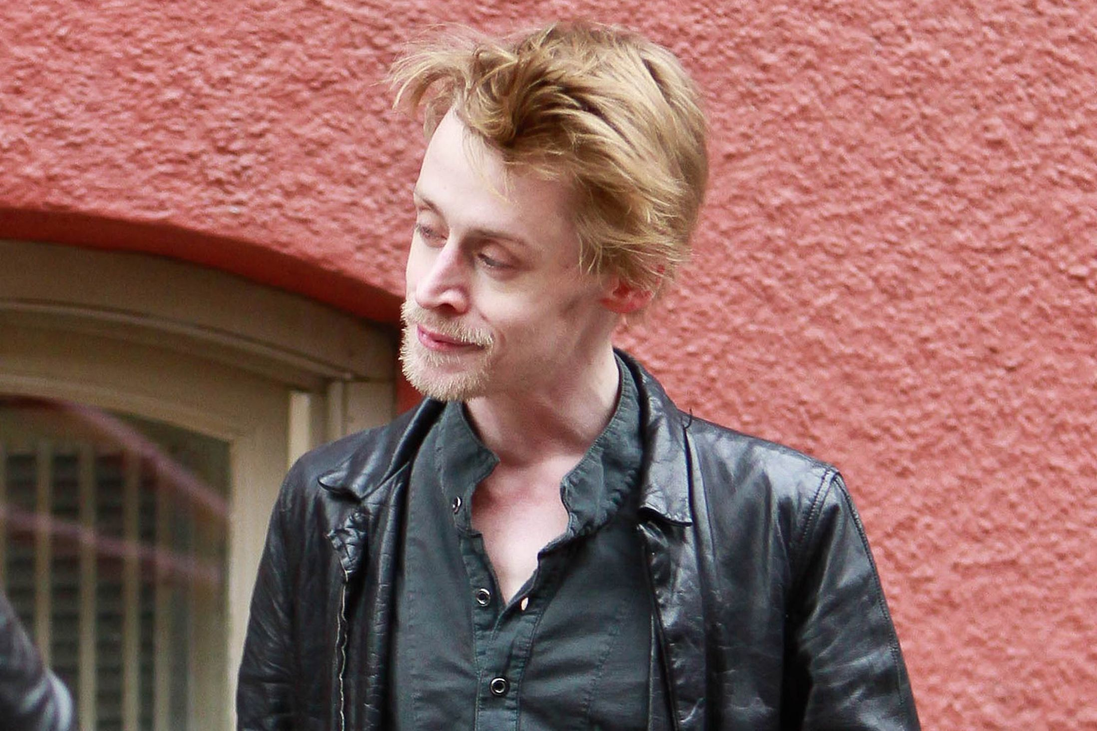 macaulay-culkin-i-bet-you-can-t-guess-what-macaulay-culkin-s-been-up-to-recently-jpeg-223591