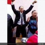 حقيقة مرشح البرلمان يرقص بطريقة كوميدية إحتفالاً بالفوز