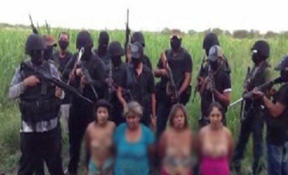 """حقيقة """" فيديو """" داعش تذبح مسيحيات بالعراق ."""