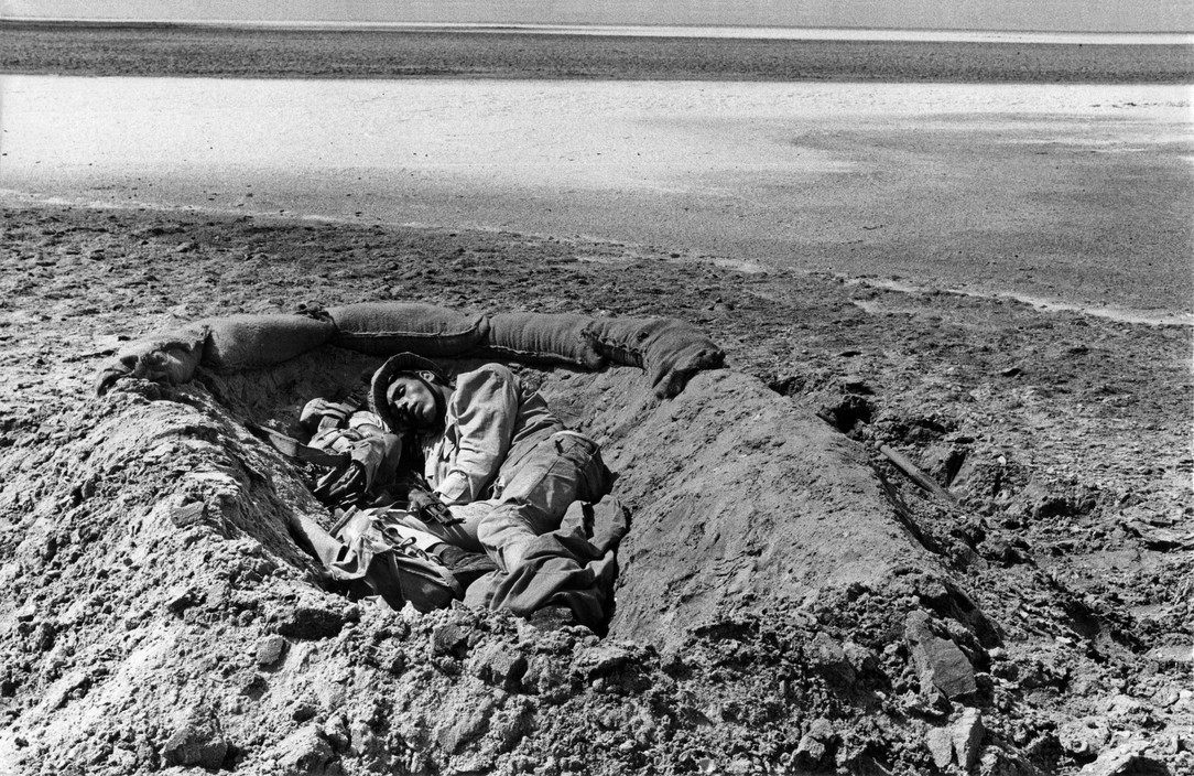 Sinai.October 1973. An Egyptian soldier killed during the Sinai battle near the Bardawil swamps.