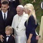 حقيقة صورة تحرش البابا بفتاة أرجنتينية