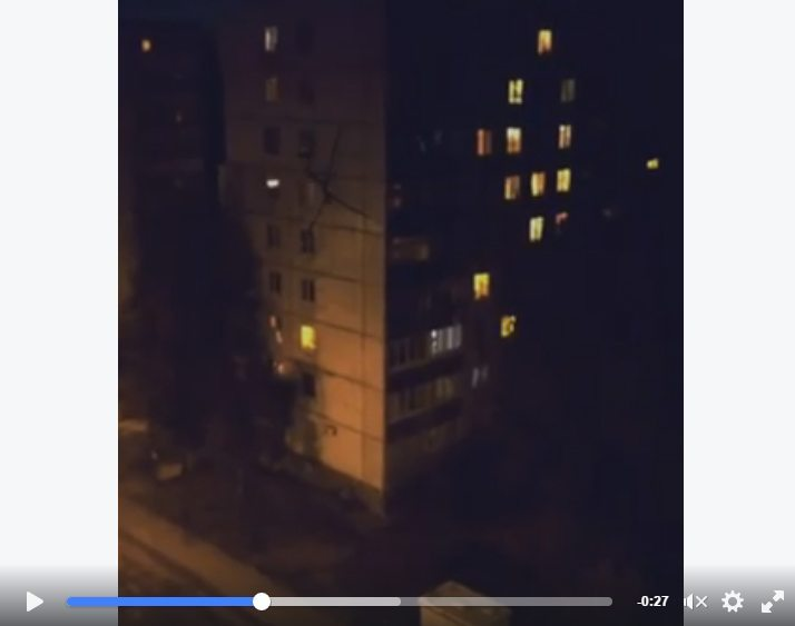 حقيقة فيديو كائن غريب يتسلق مبنى في روسيا