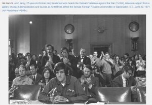 حقيقة صورة محاكمة جون كيري لارتكابه جرائم حرب في فيتنام