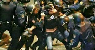 ده طالب ثانوي ودول عساكر شرطة بياكلوا من ضرايب أبوه