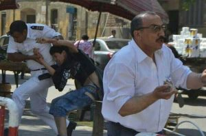 حقيقة صورة طالب بيتضرب في مظاهرات الثانوية العامة