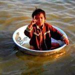 حقيقة صورة الطفل الناجي الوحيد  من عائلته في بورما