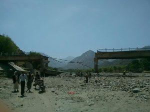 حقيقة إنهيار سد النهضة في أثيوبيا والفيضانات تدمر كوبري في السودان