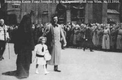 حقيقة إرتداء زوجة ملك النمسا النقاب