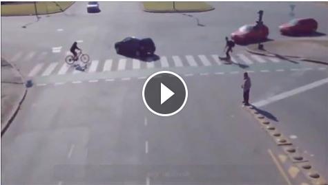 حقيقة فيديو لعربيات كتير ماشية من غير حوادث