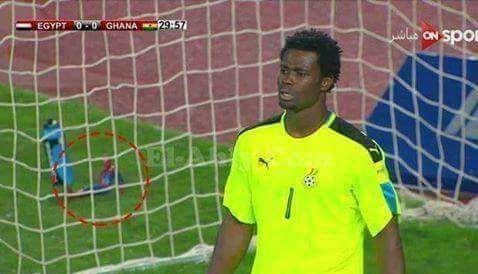 حقيقة احتفاظ حارس غانا بلعبة ابنه المتوفي