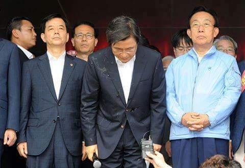 حقيقة حدف رئيس وزراء كوريا بالبيض  بسبب انقطاع الكهرباء