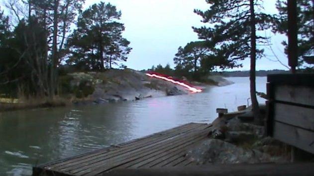 حقيقة فيديو برق يضرب نهر
