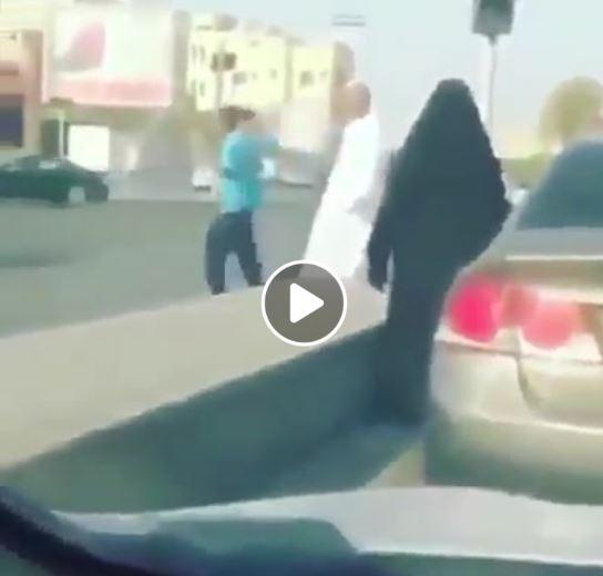 حقيقة أول خناقة بين سائقتين في الرياض