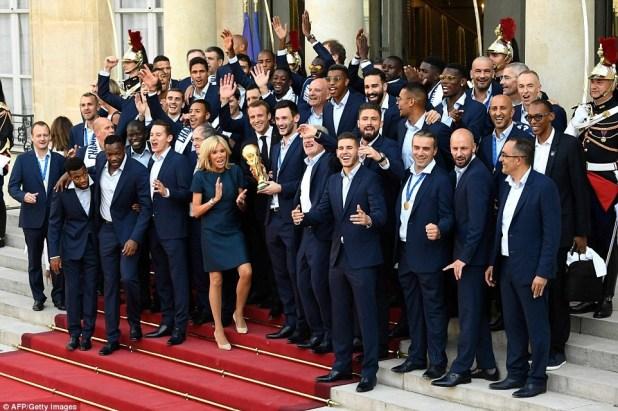 حقيقة صورة عنصرية للمنتخب الفرنسى