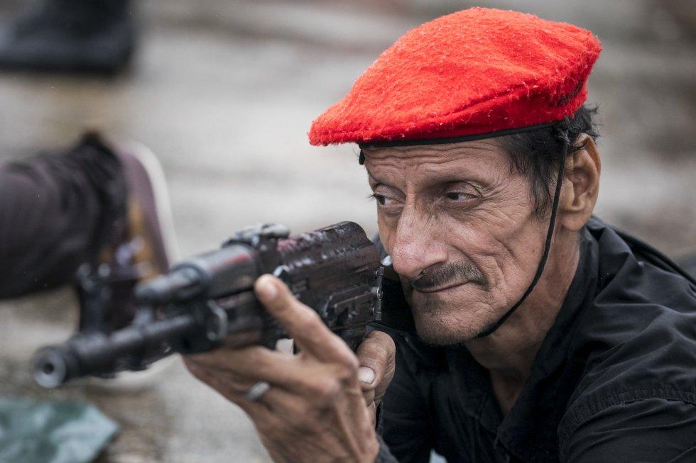 حقيقة صورة لقناص قتل 85 من أصدقائه في معركة واحدة