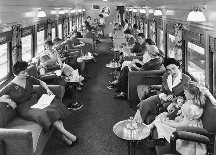 عربة داخل إحدى القطارات المصرية سنة 1950