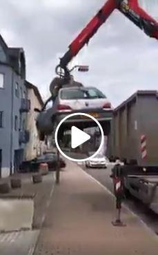 حقيقة فيديو عقوبة الوقوف على الرصيف في المانيا